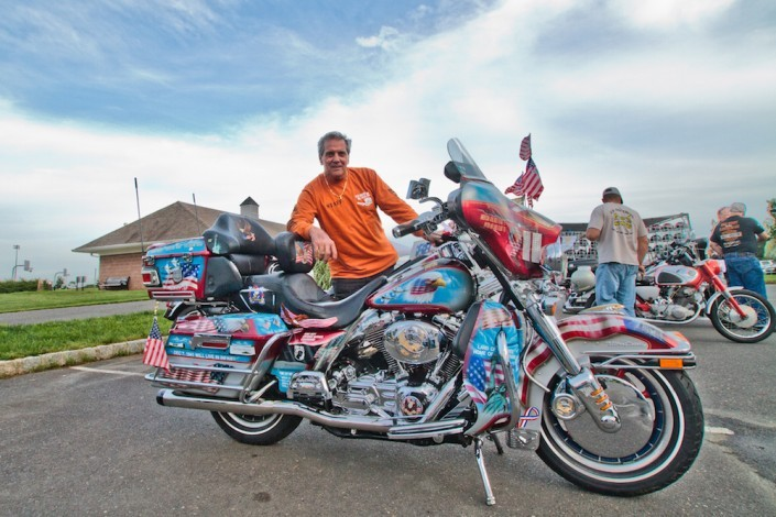 A man and his custom motorcycle that chronicles every single war and conflict that the US has been in.